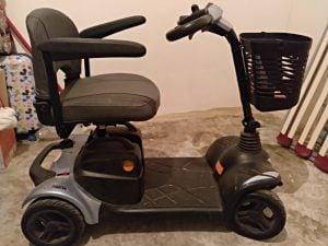 Scooter para personas con problemas de movilidad de la marca I-Nano
